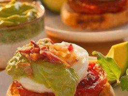 Eggs Benedict with Avocado Sauce