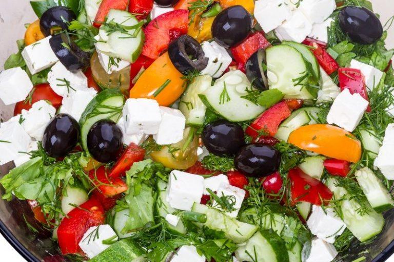 Mediterranean mozzarella salad