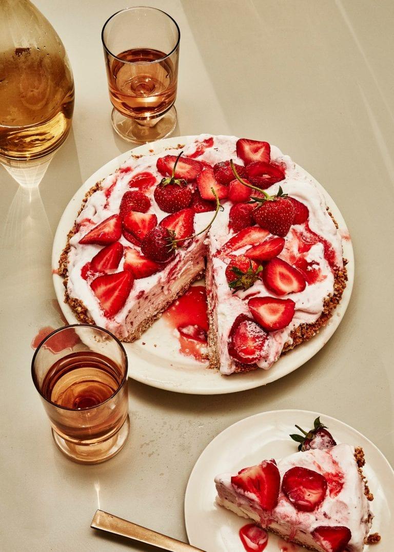 Coconut-Strawberry Ice Cream Pie