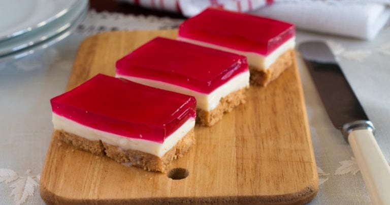 Double cherry cheesecake jelly slice